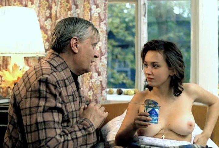 большая и голая грудь Натальи Щукиной