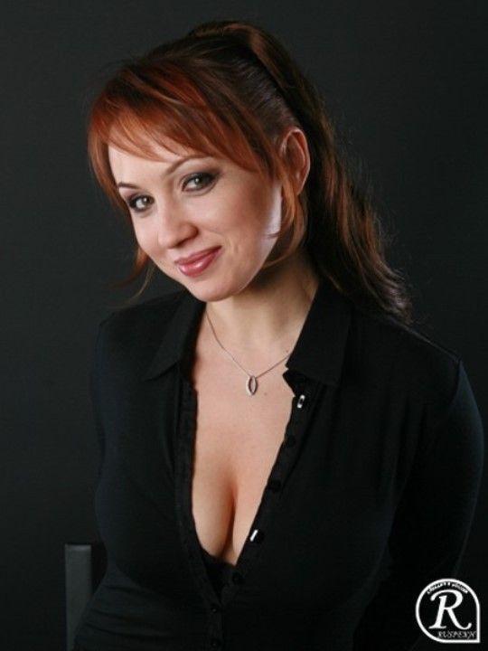 Наталья Щукина декольте