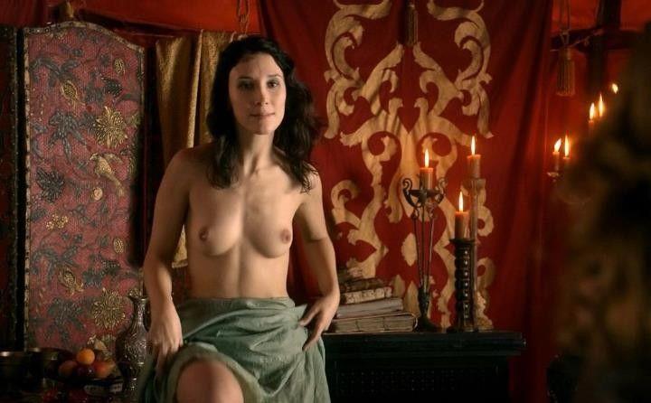 голая Сибель Кекилли в игре престолов