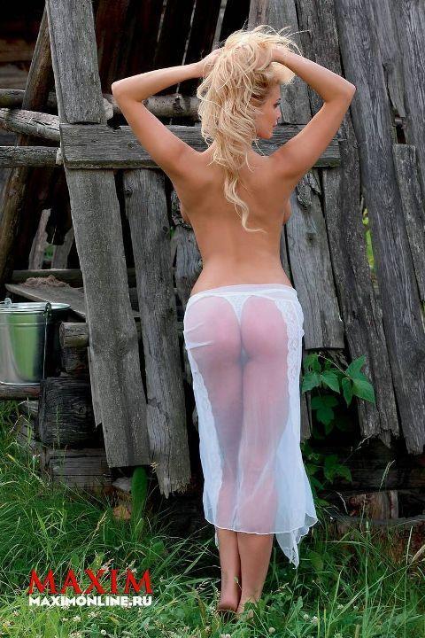 Татьяна Котова попа в стрингах