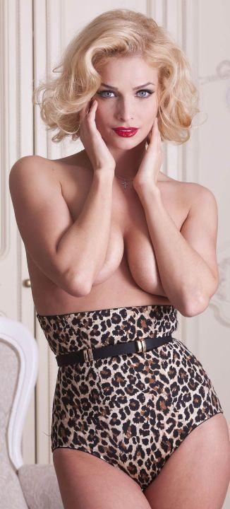 Татьяна Котова без лифчика