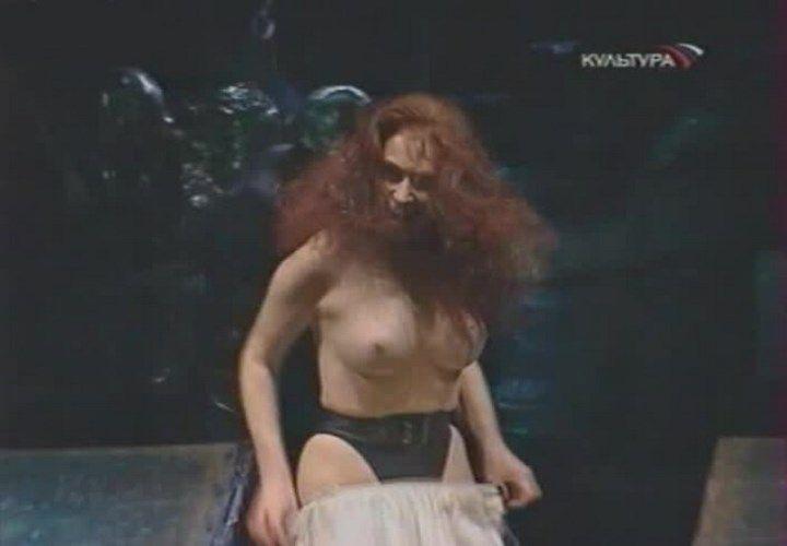 голая грудь Анны Большовой