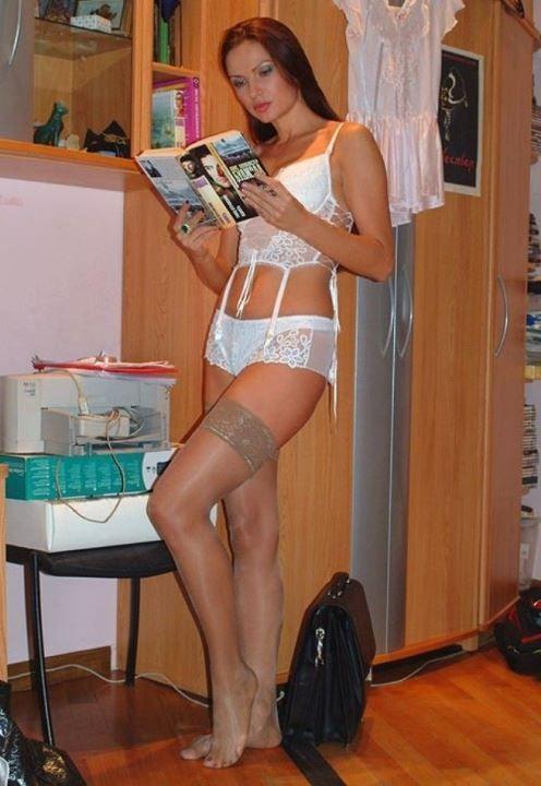 Эвелина Бледанс фото в белье и чулках