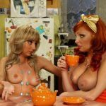 Голые актрисы из сериала Счастливы вместе