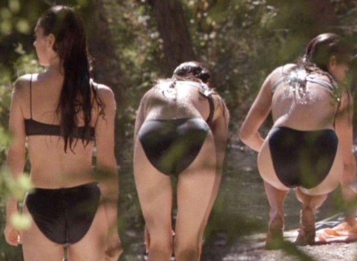 Дженнифер Коннелли в купальнике