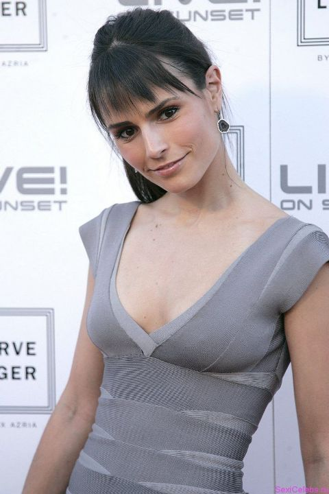 Джордана Брюстер в платье без лифчика