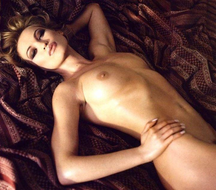 голая грудь Юлии Маярчук