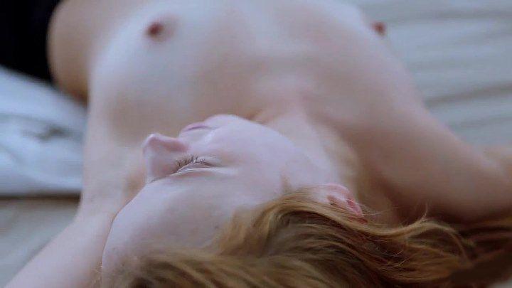 голая грудь Ларисы Барановой