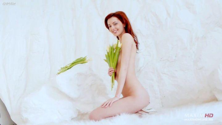 полностью голая Маруся Климова