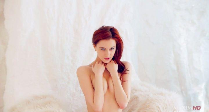 голая грудь Маруси Климовой