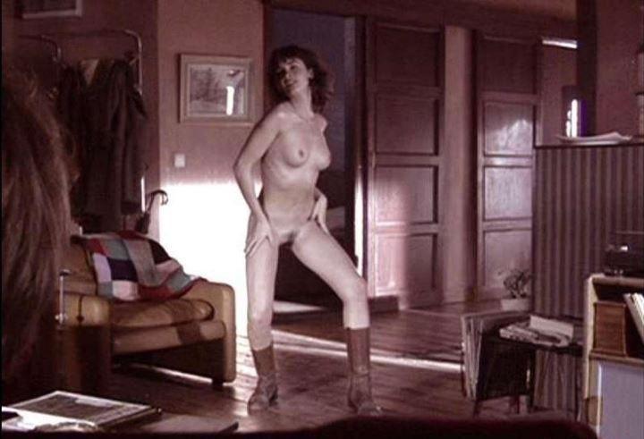 полностью голая Пас Вега засветила вагину