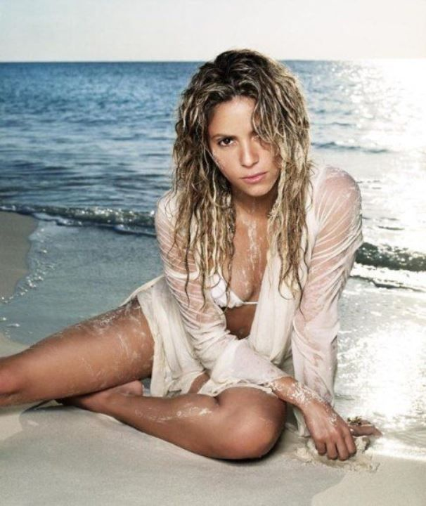 Шакира в купальнике