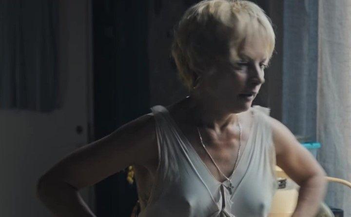 торчащие соски Алены Бабенко без лифчика