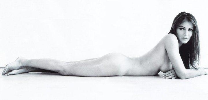 Элизабет Хёрли без нижнего белья