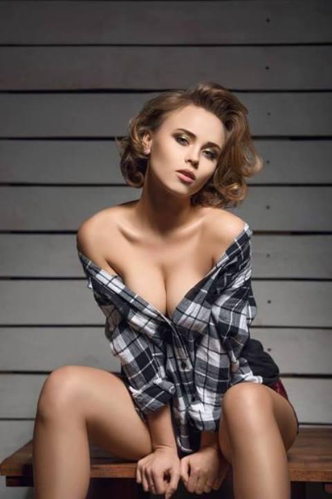 голая грудь Анны Кошмал