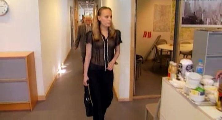 Ольга Ломоносова в прозрачной блузке