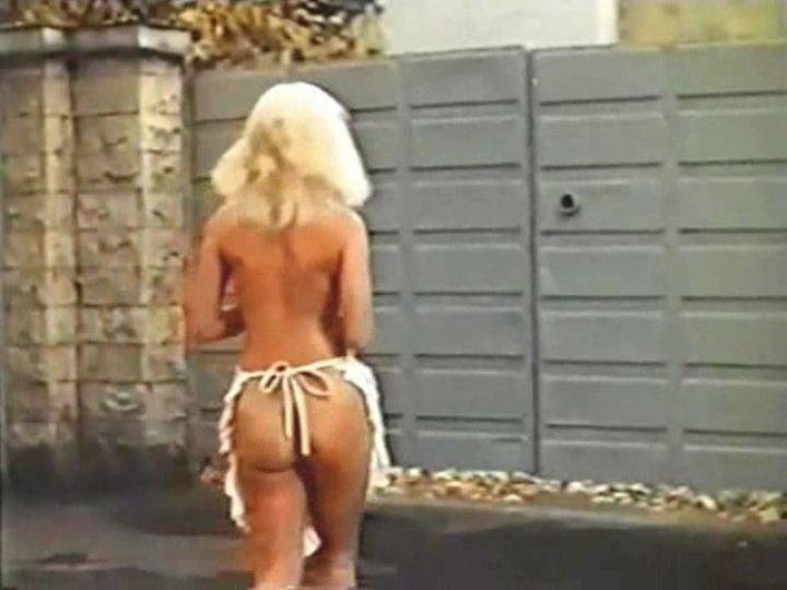 голая попка Юлии Меньшовой