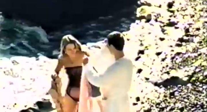 Анастасия Немоляева в купальнике