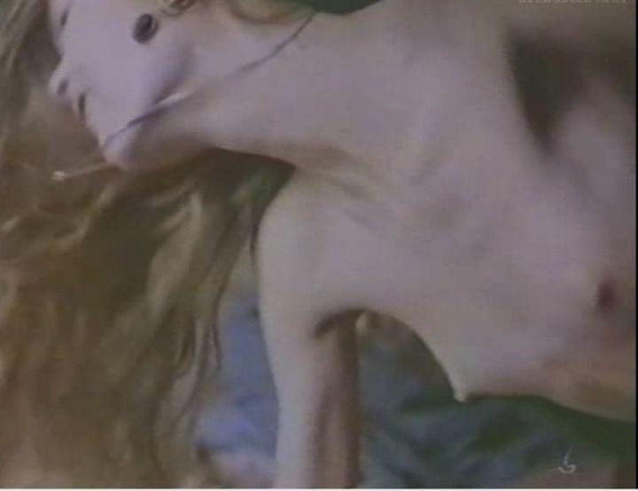 голая грудь Анастасии Немоляевой