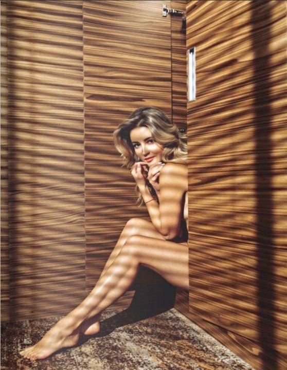 Голая Анна Михайловская в журнале Maxim июнь 2019