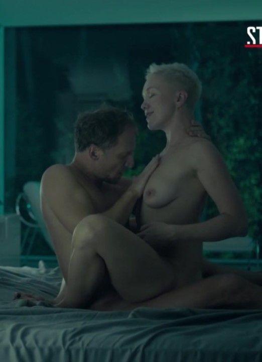 секс Дарьи Мороз в позе наездницы