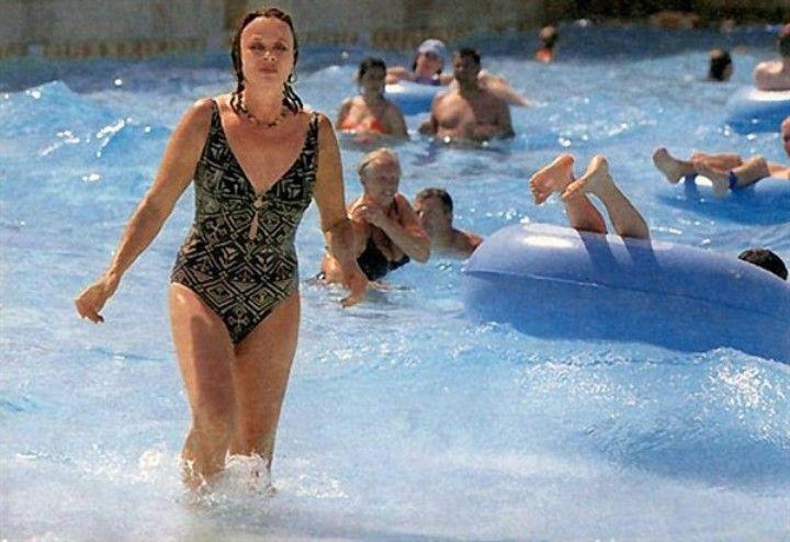 Любовь Полищук в купальнике