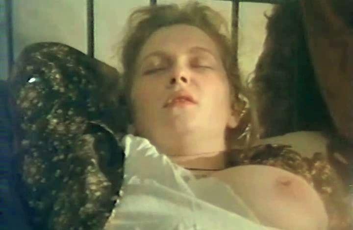 голая грудь Марины Гайзидорской
