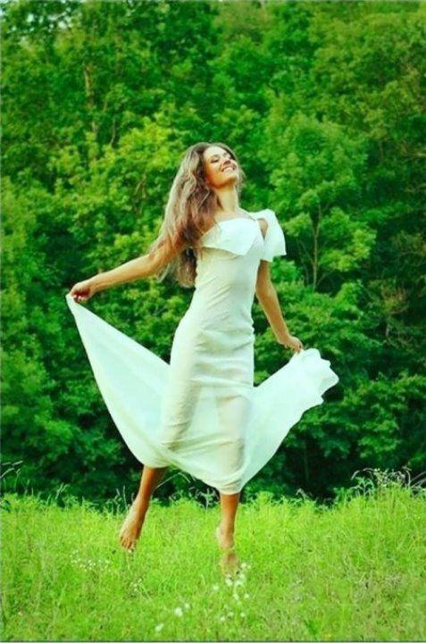 Юлия Паршута в голом платье