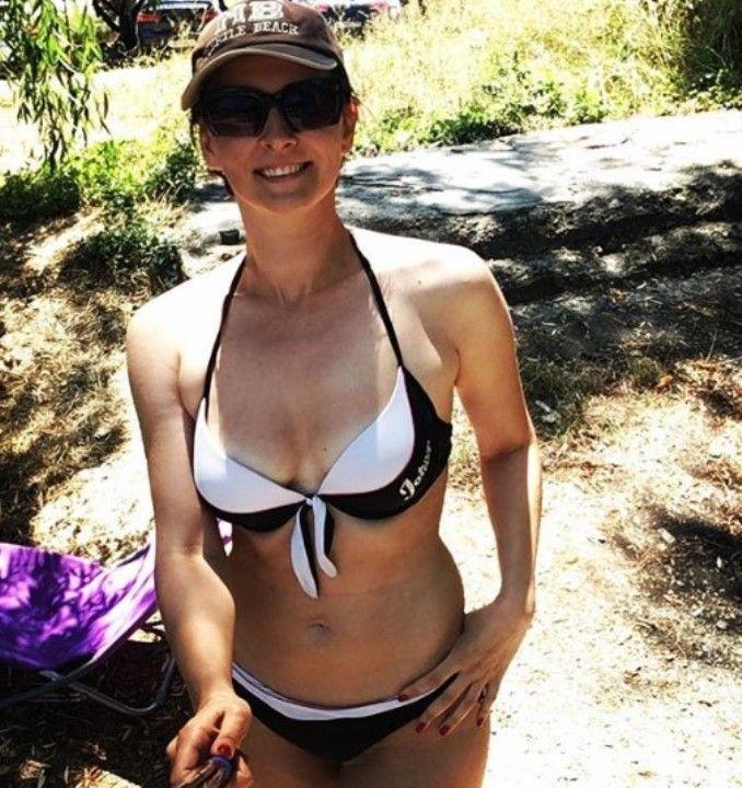Виктория Фишер в купальнике
