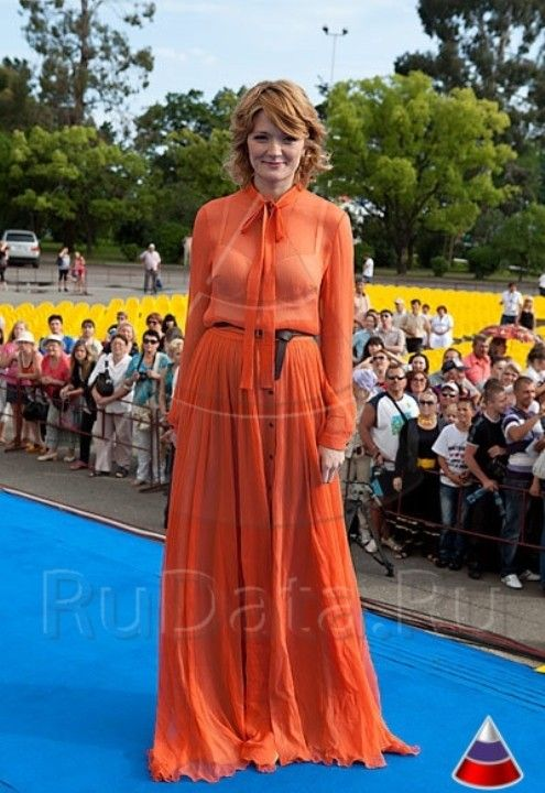Надежда Михалкова в прозрачном платье