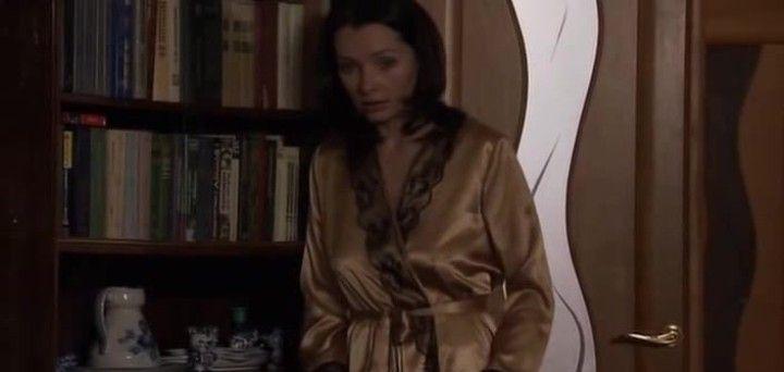 Наталия Антонова с торчащими сосками