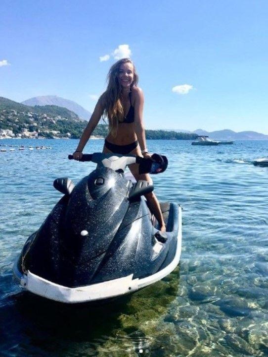 Наталья Балясова в купальнике
