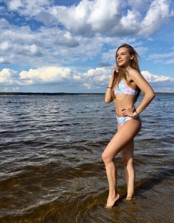 Наталья Балясова в бикини