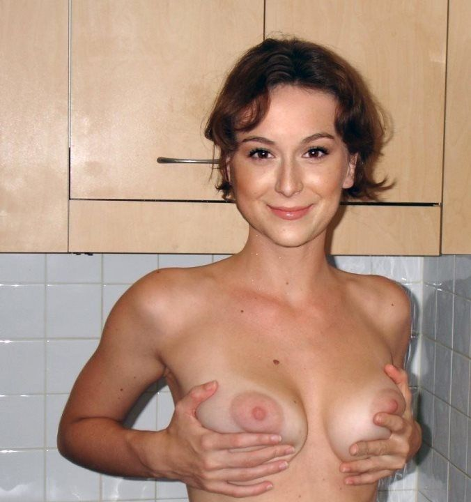 голая грудь Алексы Веги