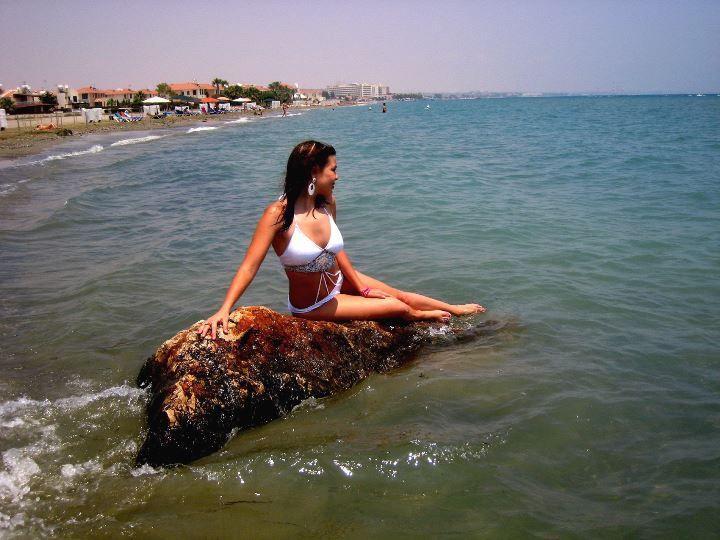Алина Гросу в купальнике