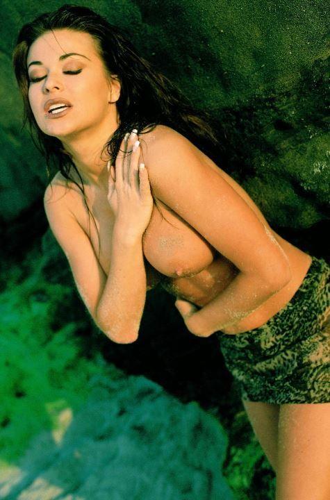 naked-carmen-serano-naked-busty-punk-girl