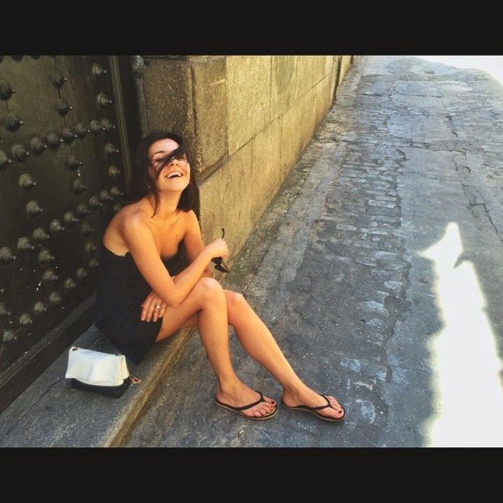 голые ножки Ирины Чесноковой