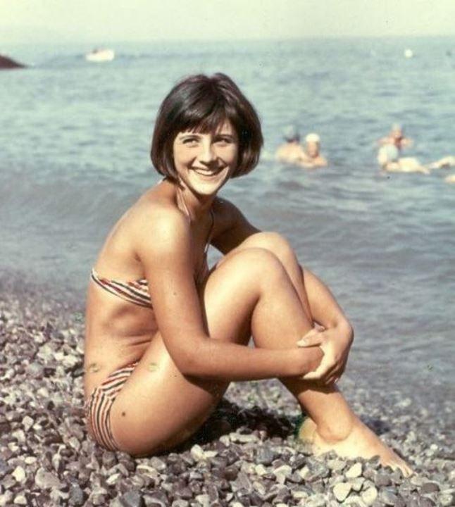 Наталья Варлей в купальнике