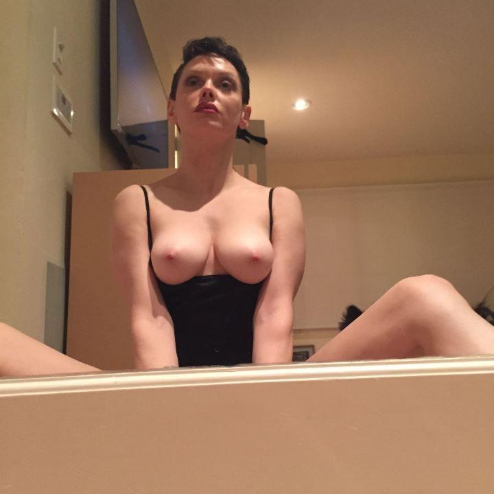 paige-hilton-nude