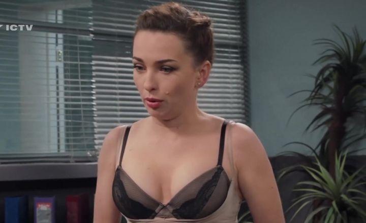 горячая Виктория Булитко в белье