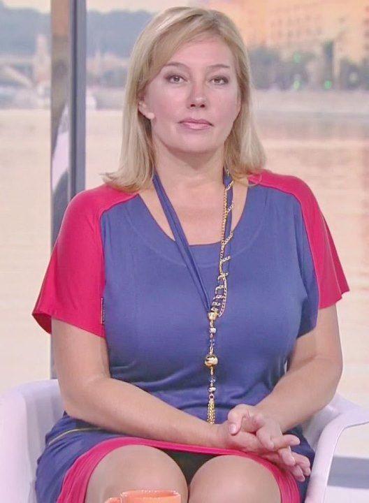 Арина Шарапова засветила трусики