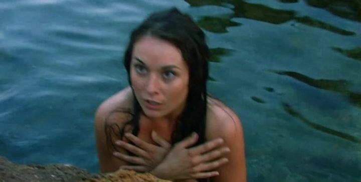 Екатерина Олькина с голой грудью