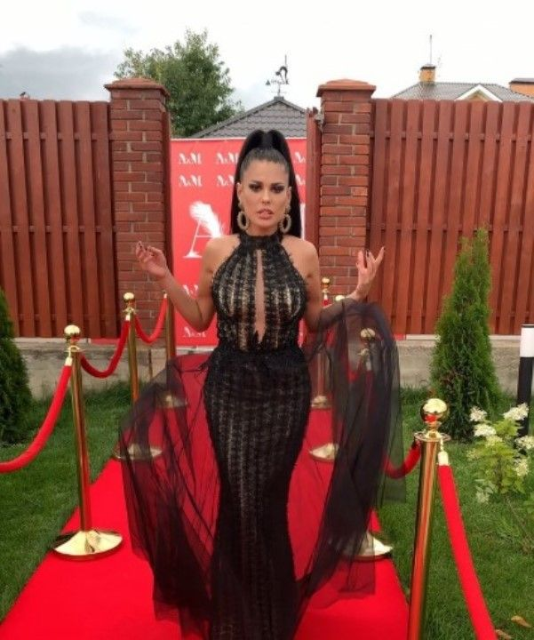 Ирина Пинчук в голом платье