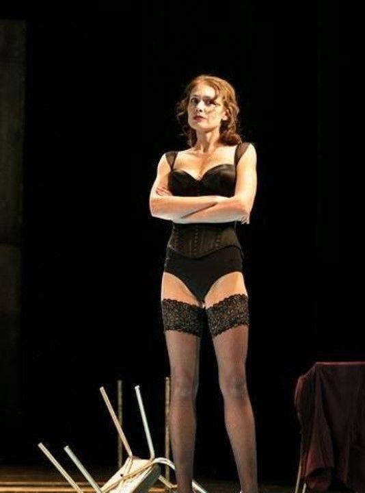 Алёна Баркова в белье и чулках