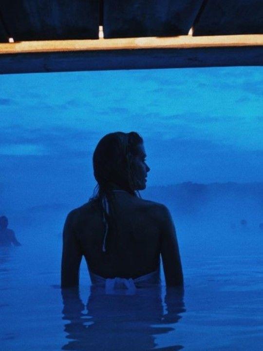 Алина Томникова фото в купальнике