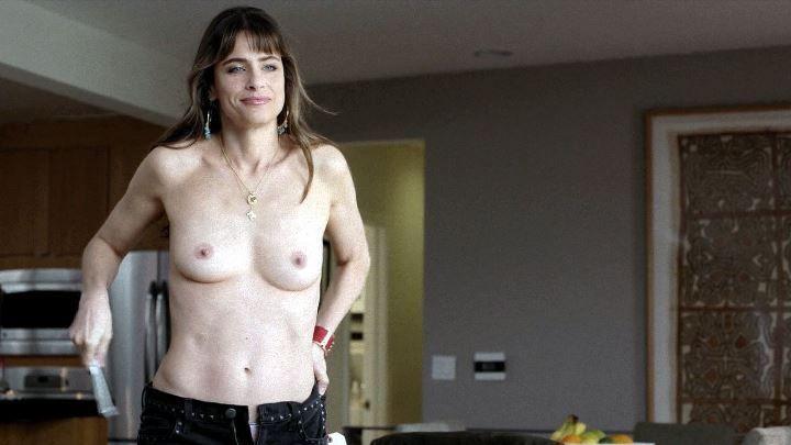 Аманда Пит голая грудь