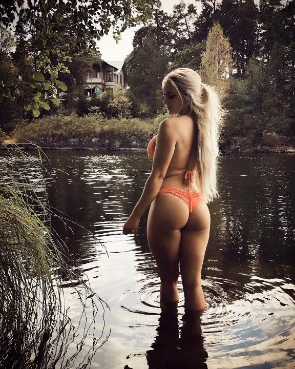 Анна Нистром в бикини