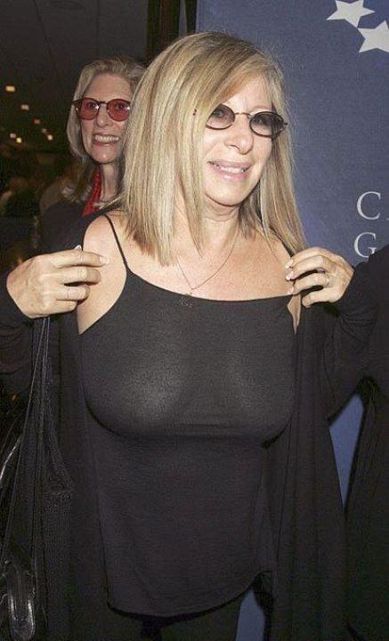 Барбара Стрейзанд в прозрачной блузке без лифчика