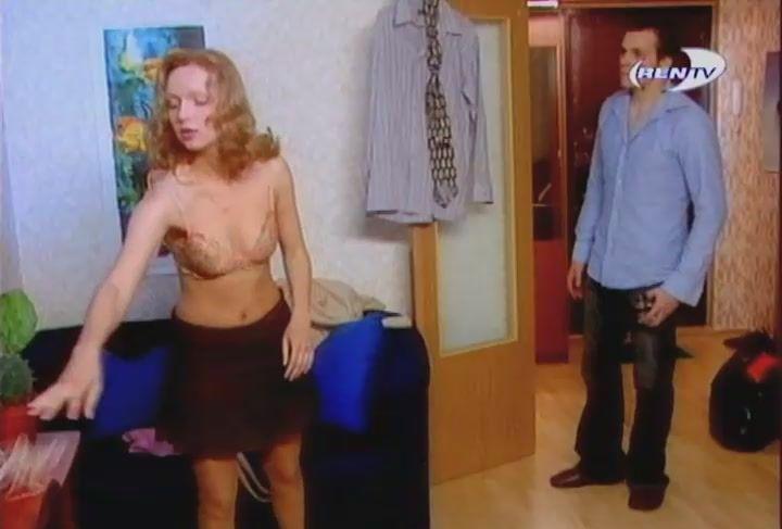 Дарья Лузина с голой грудью