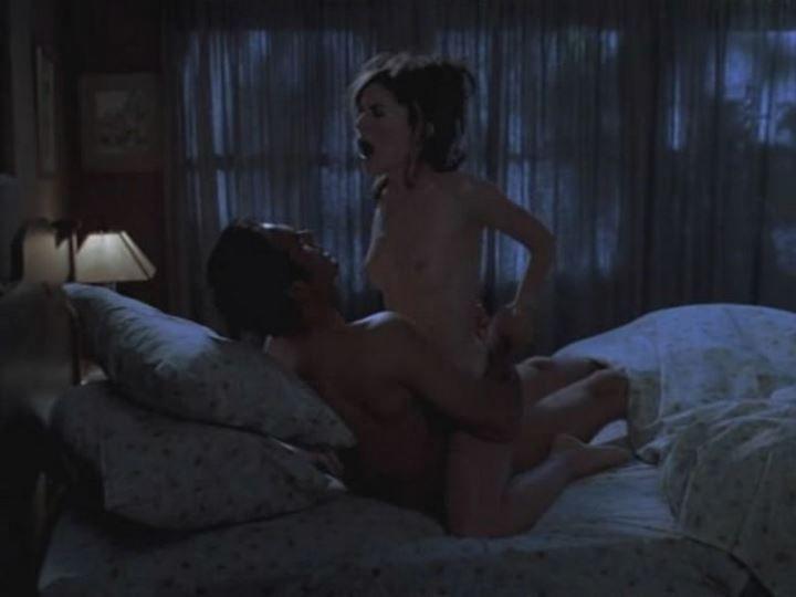 секс Лары Флинн Бойл в позе наездницы